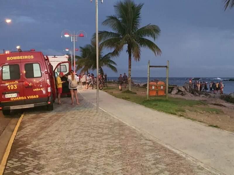 Corpo foi encontraado por volta das 18h45 na Boca da Barra, em Itanhaém