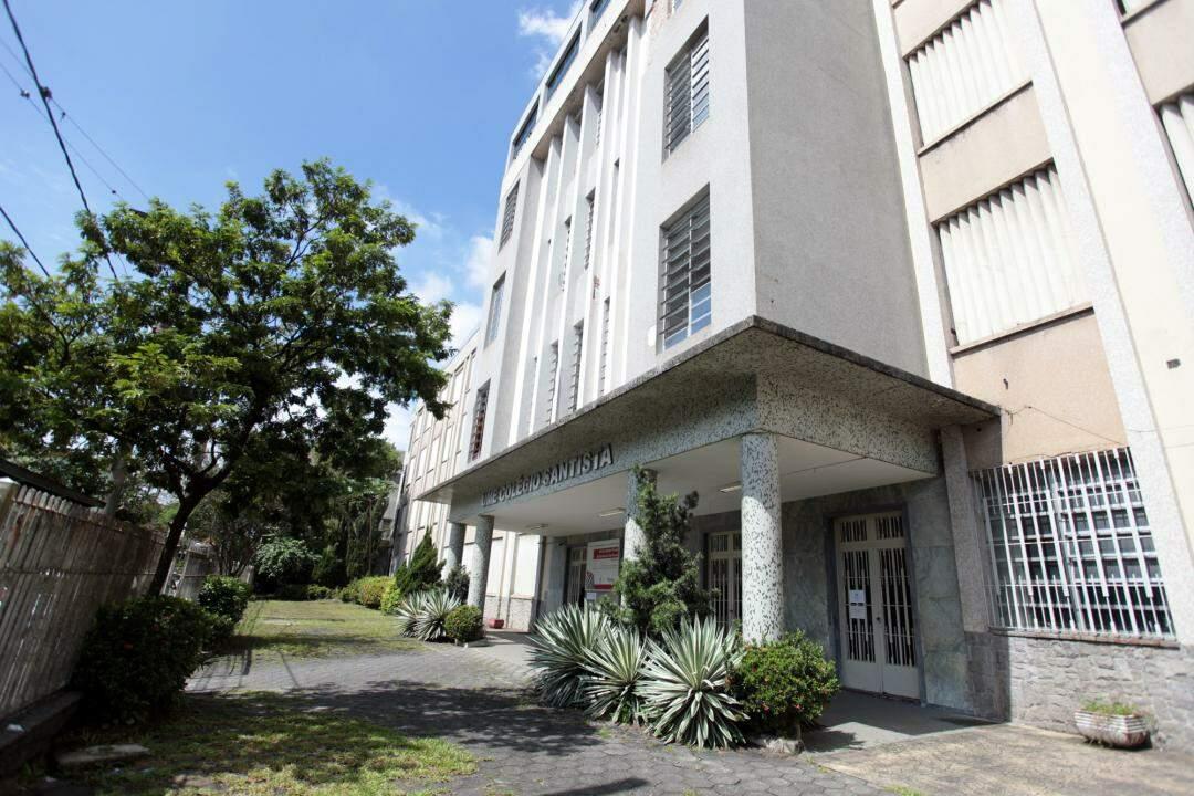Novo caso de Covid-19 ocorreu em funcionária do Colégio Santista