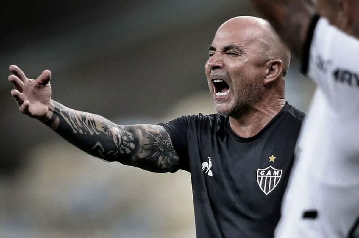 Argentino tinha contrato até o término de 2021