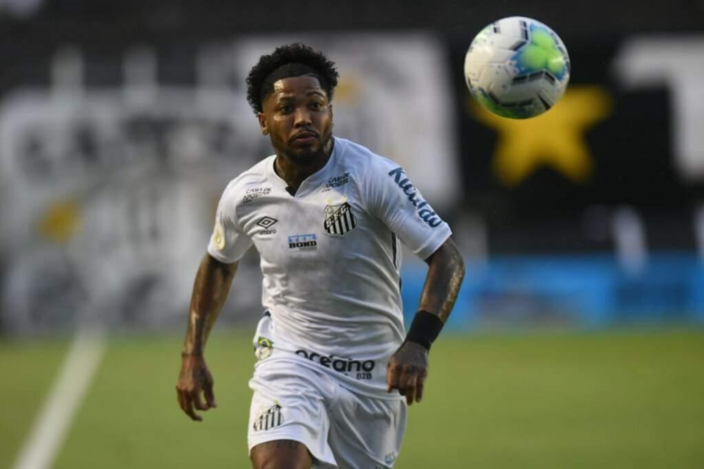 Atacante Marinho luta pela artilharia isolada do Campeonato Brasileiro