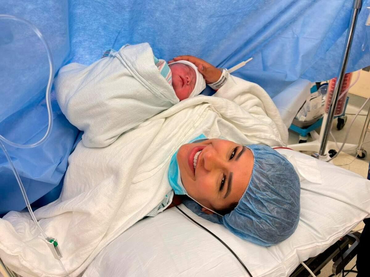 Simone estava ansiosa pela chegada da filha, que nasceu nesta segunda-feira (22) em Orlando, nos EUA