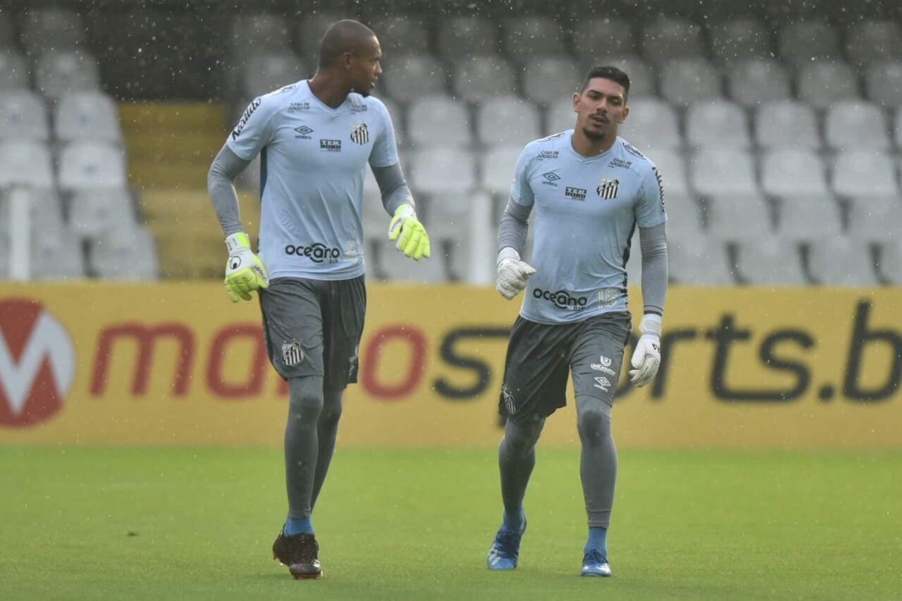 John foi titular até a final da Libertadores, mas viu João Paulo terminar a temporada com a vaga