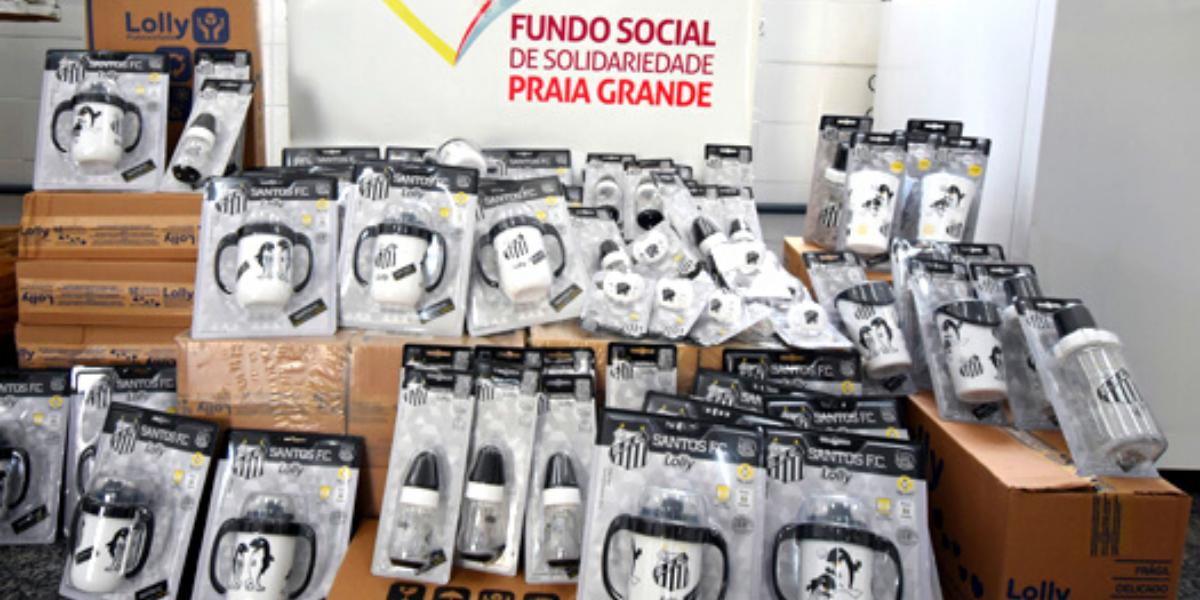 Os produtos são personalizados com a logomarca e cores do Santos Futebol Clube