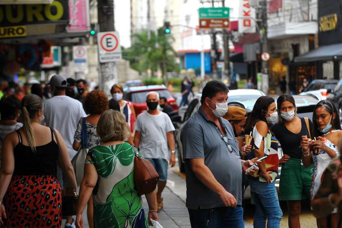segundo o economista Mario Esteves, houve uma queda de 38% nos novos casos na semana