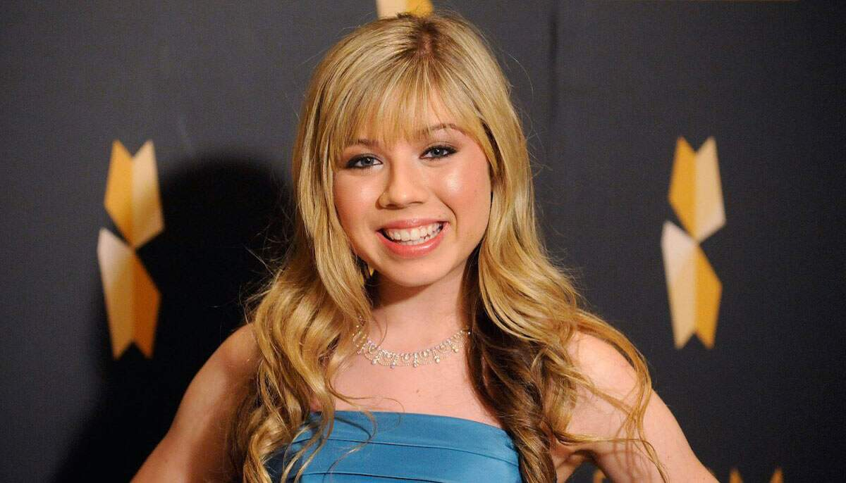 Atriz interpretava Sam, melhor amiga da protagonista na série iCarly, finalizada em 2012