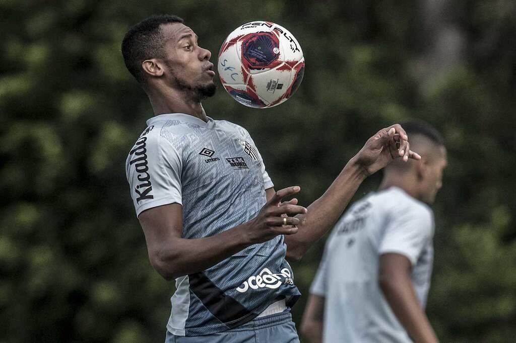 O atacante colombiano Copete não joga pelo Santos desde 2 de junho de 2019