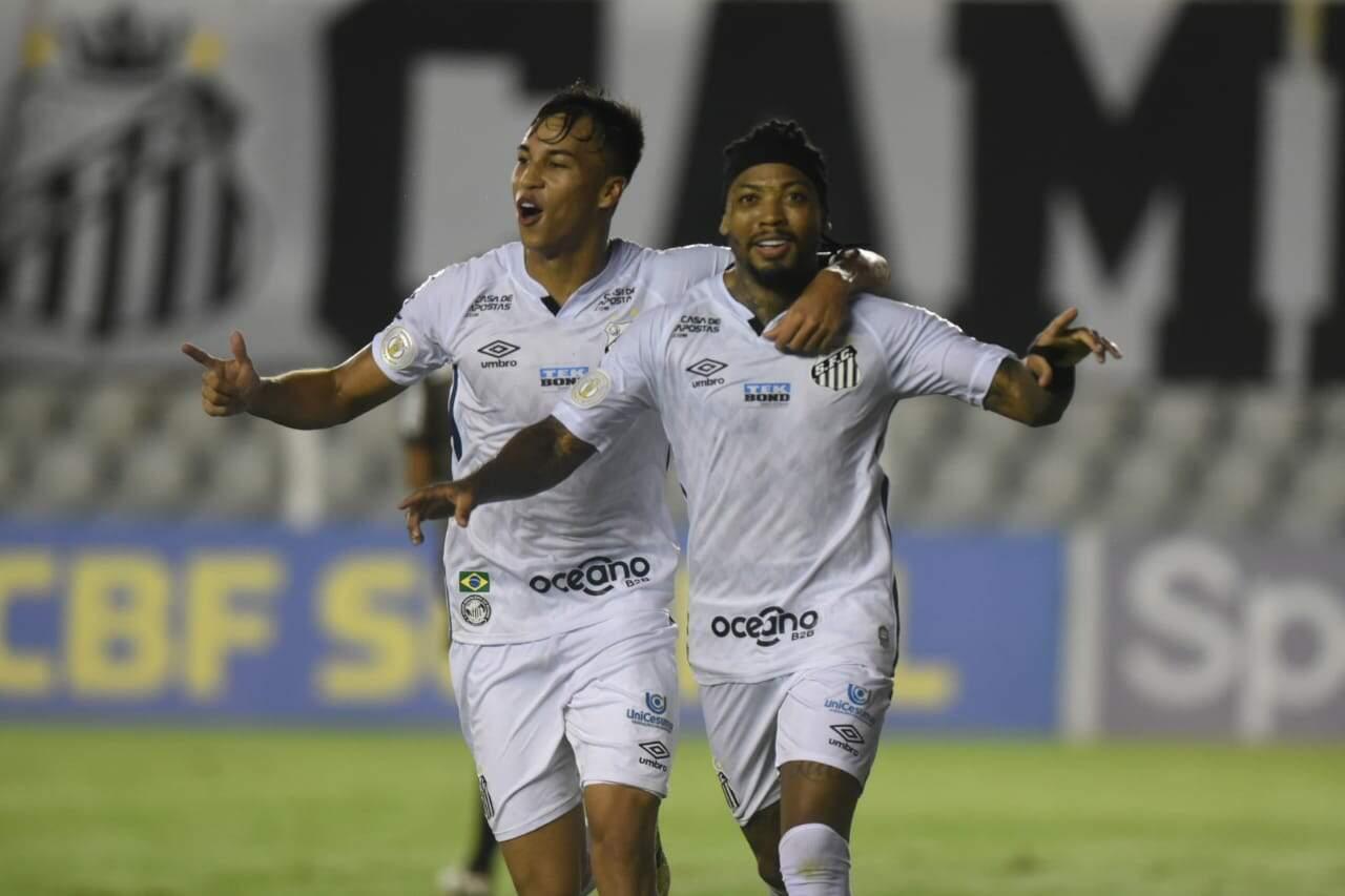 Kaio Jorge e Marinho são titulares incontestáveis do ataque do Santos