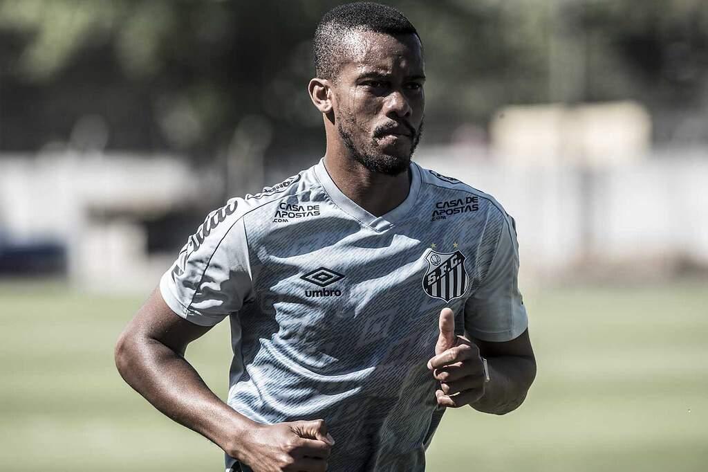 Copete é inscrito e já pode voltar a defender o Santos