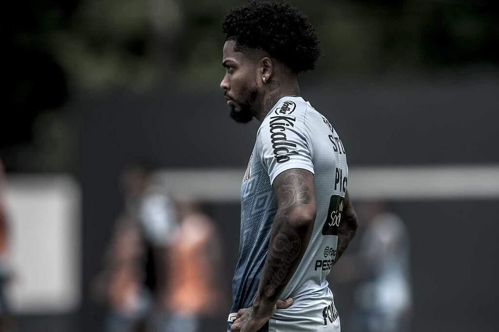 Marinho será avaliado antes do confronto diante do Deportivo Lara