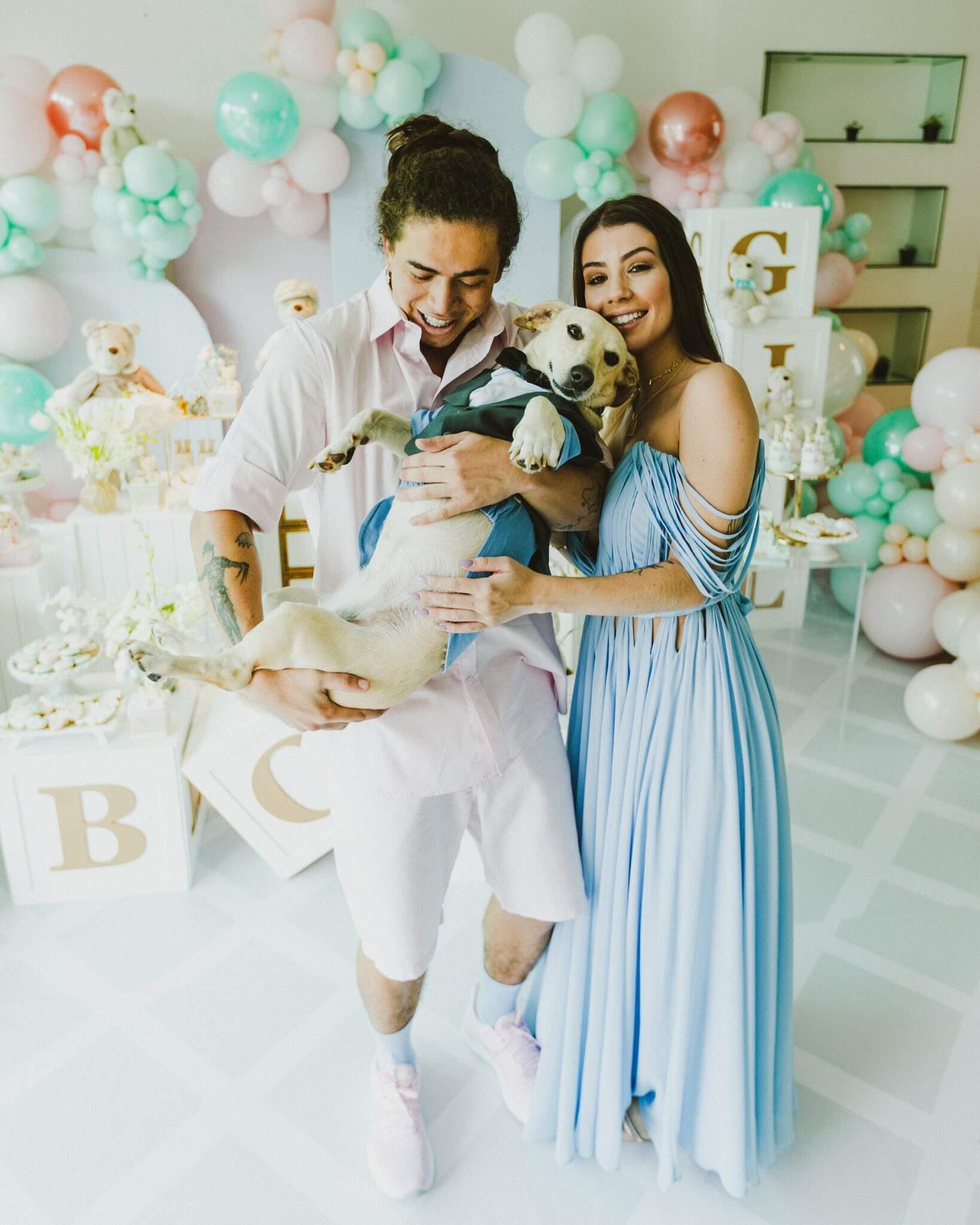 Whindersson Nunes e noiva descobrem que vão ter um menino