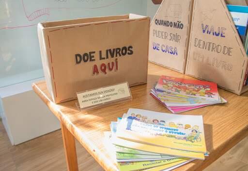 Espaço Troca de Livro recebe doação
