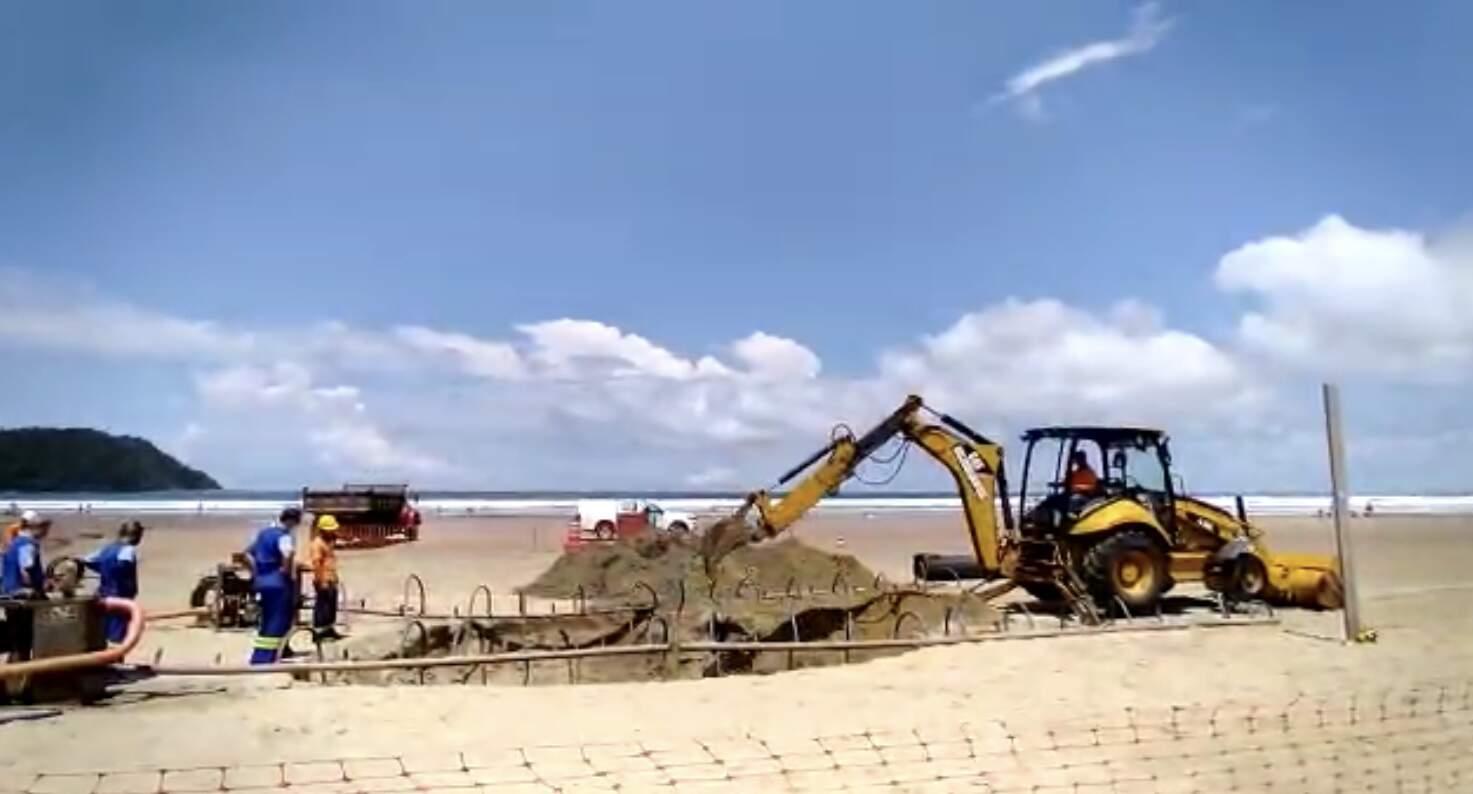 Sabesp realizou obra para solucionar problema na faixa de areia da praia na última segunda-feira